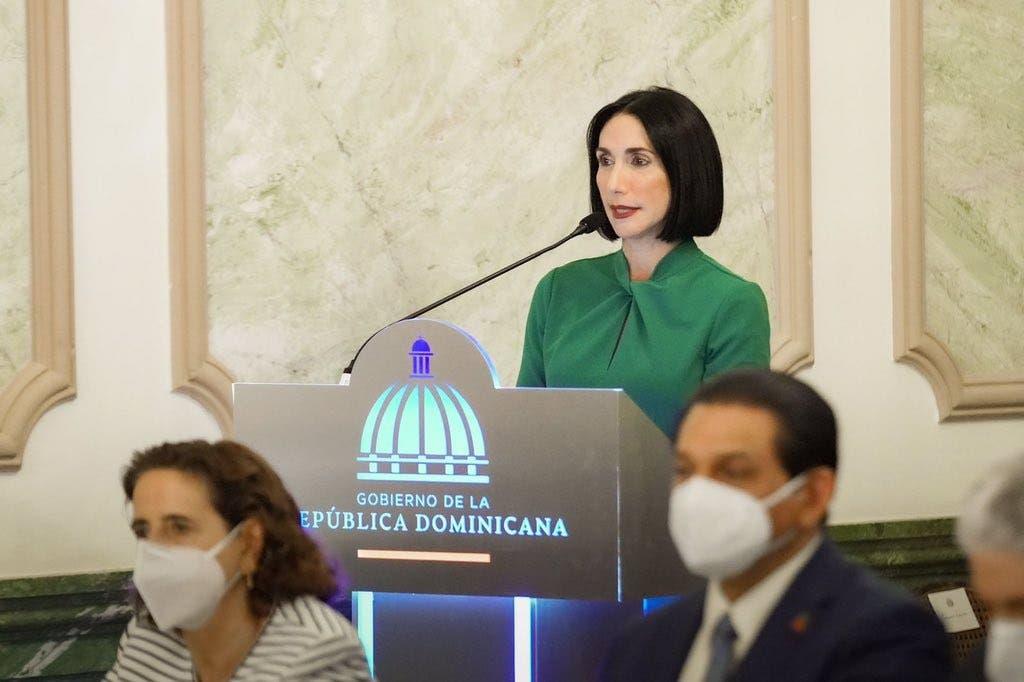 """Raquel Arbaje aclara acuerdo firmado por el Gobierno: """"No damos actas de nacimientos a extranjeros»"""