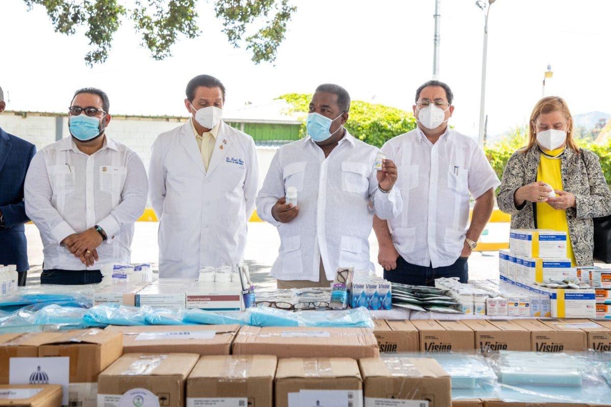 Gobierno entrega 40 millones de pesos en medicamentos a hospitales de La Vega