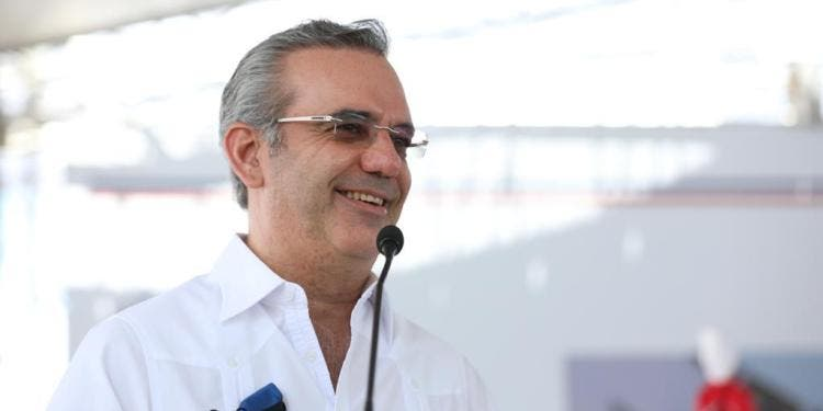 Felicitan a Luis Abinader por su cumpleaños 54