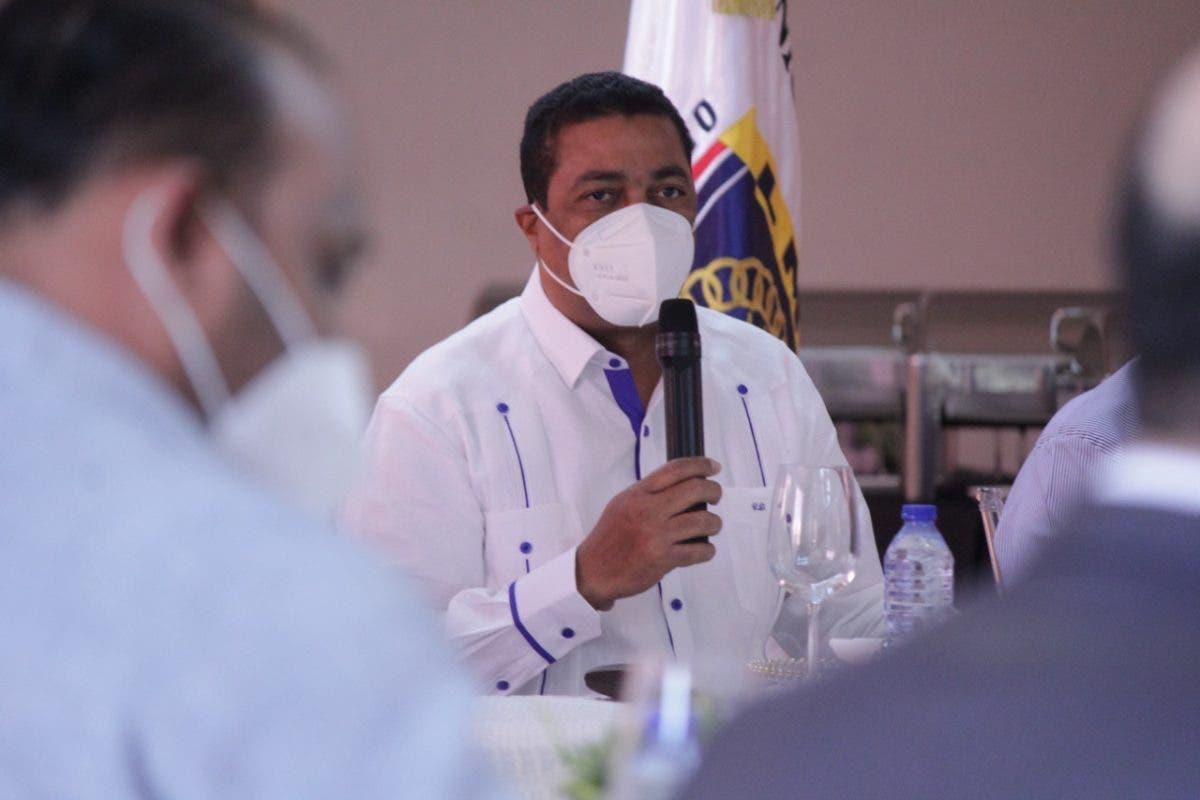 Liga Municipal coordina jornada de vacunación anticovid en Montecristi