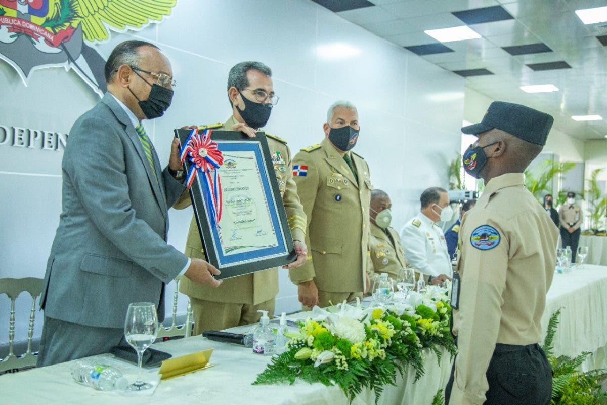 CESMET celebra su décima graduación de agentes de seguridad Promoción ¨Freddy Beras Goico¨