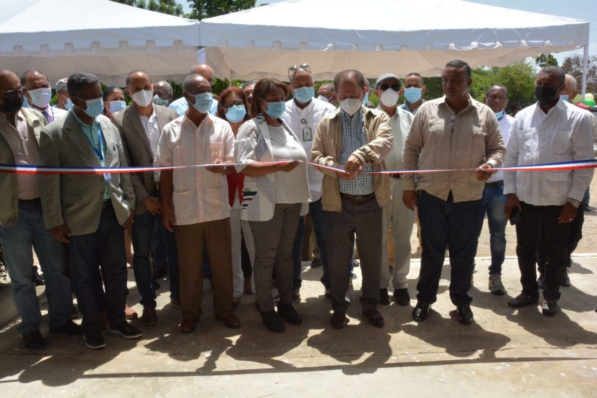 Director Feda inaugura procesadora berenjena en San Juan de la Maguana