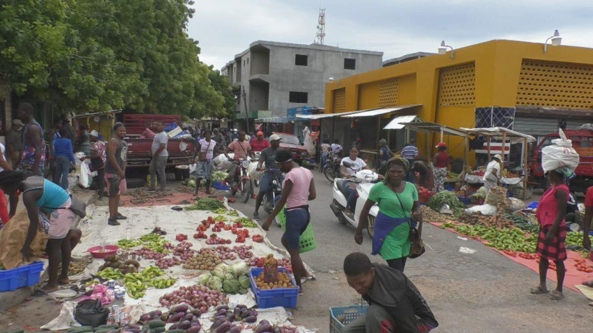 Aumenta presión del lado haitiano por falta de alimentos tras cierre de la frontera