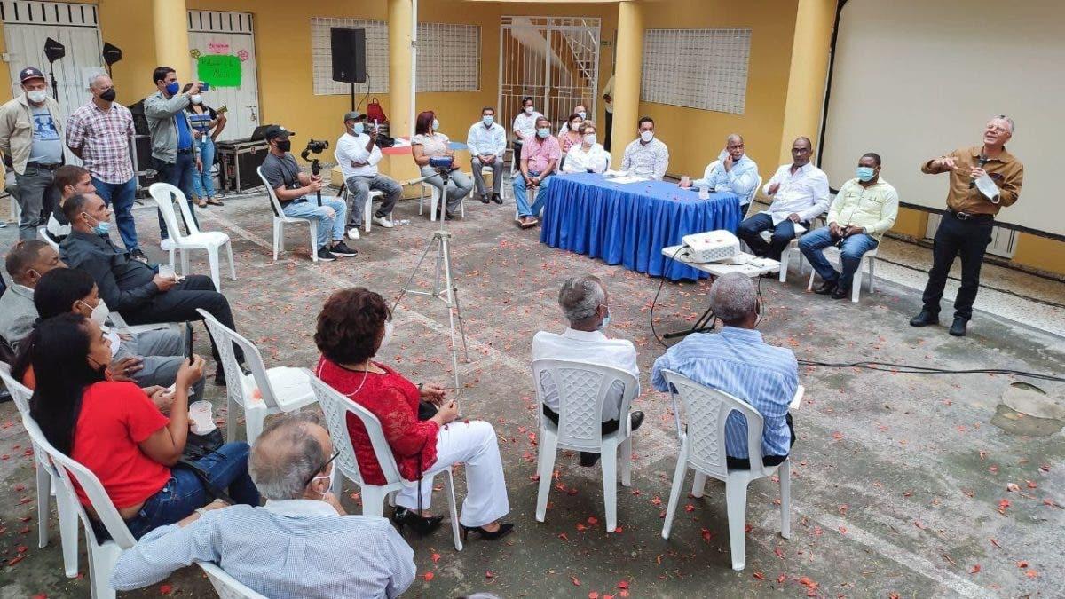 Definen rutas y frecuencias de recogida de basura en circunscripción 2 de Santo Domingo Este