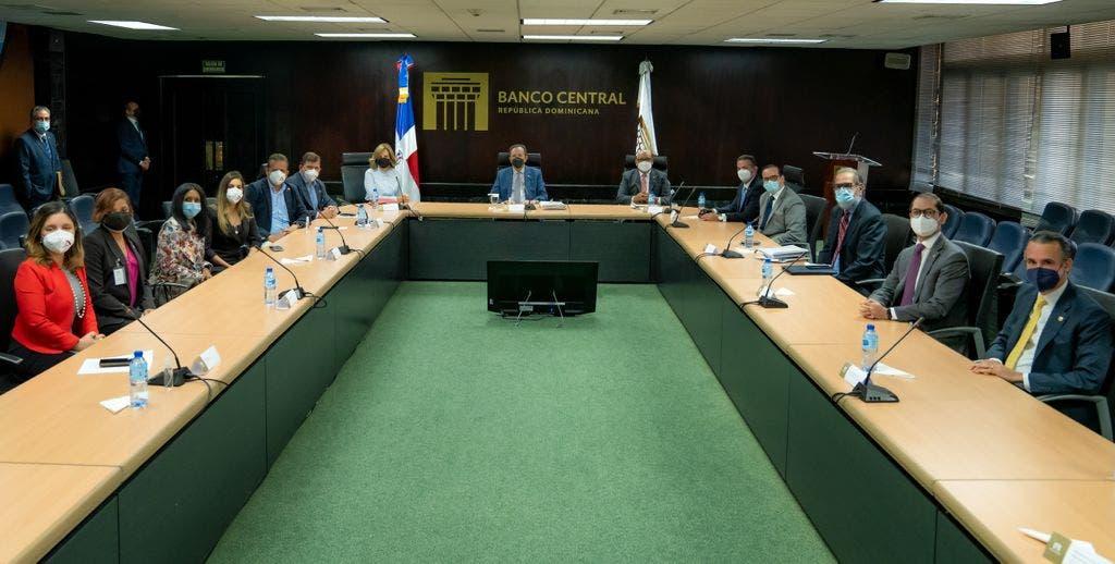 Banco Central y  ACOPROVI pasan revista a la situación del sector construcción