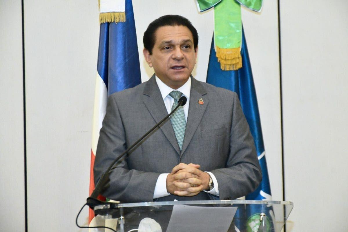 Ministro de Salud preocupado por alta incidencia de COVID-19 en La Vega