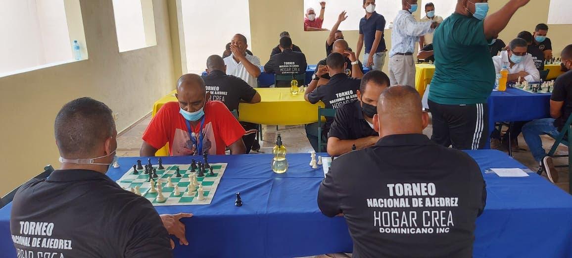Celebran primer torneo de ajedrez Copa Hogar Crea Dominicano
