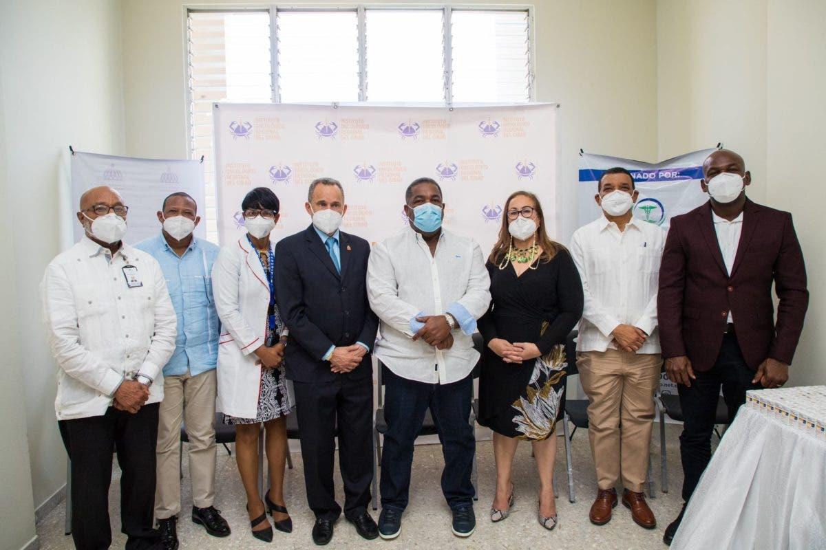 Entregan 80 millones de pesos en medicamentos para pacientes con cáncer al Instituto Oncológico del Cibao