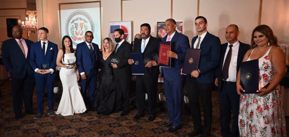 Video| Cámara de Comercio RD en USA celebra cena de gala en NY