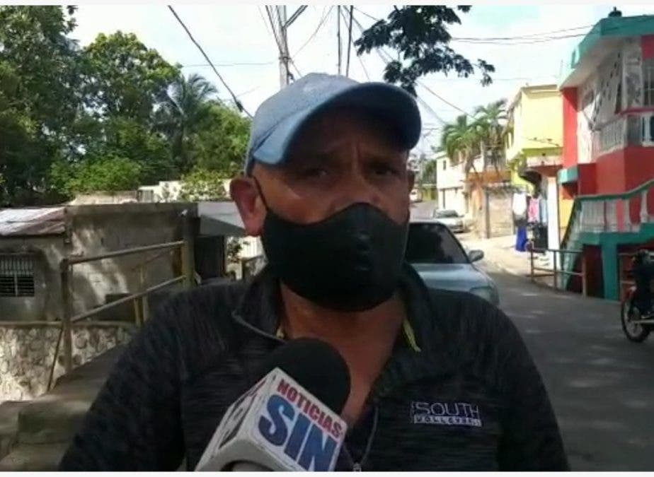 Padre del coronel de la Policía que suicidó en San Cristóbal, se enteró de la tragedia por redes sociales