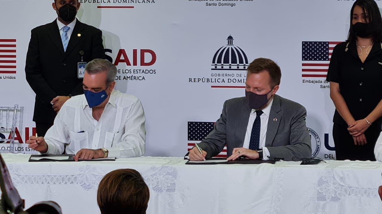 EE.UU y RD firman acuerdo por $251 millones de dólares