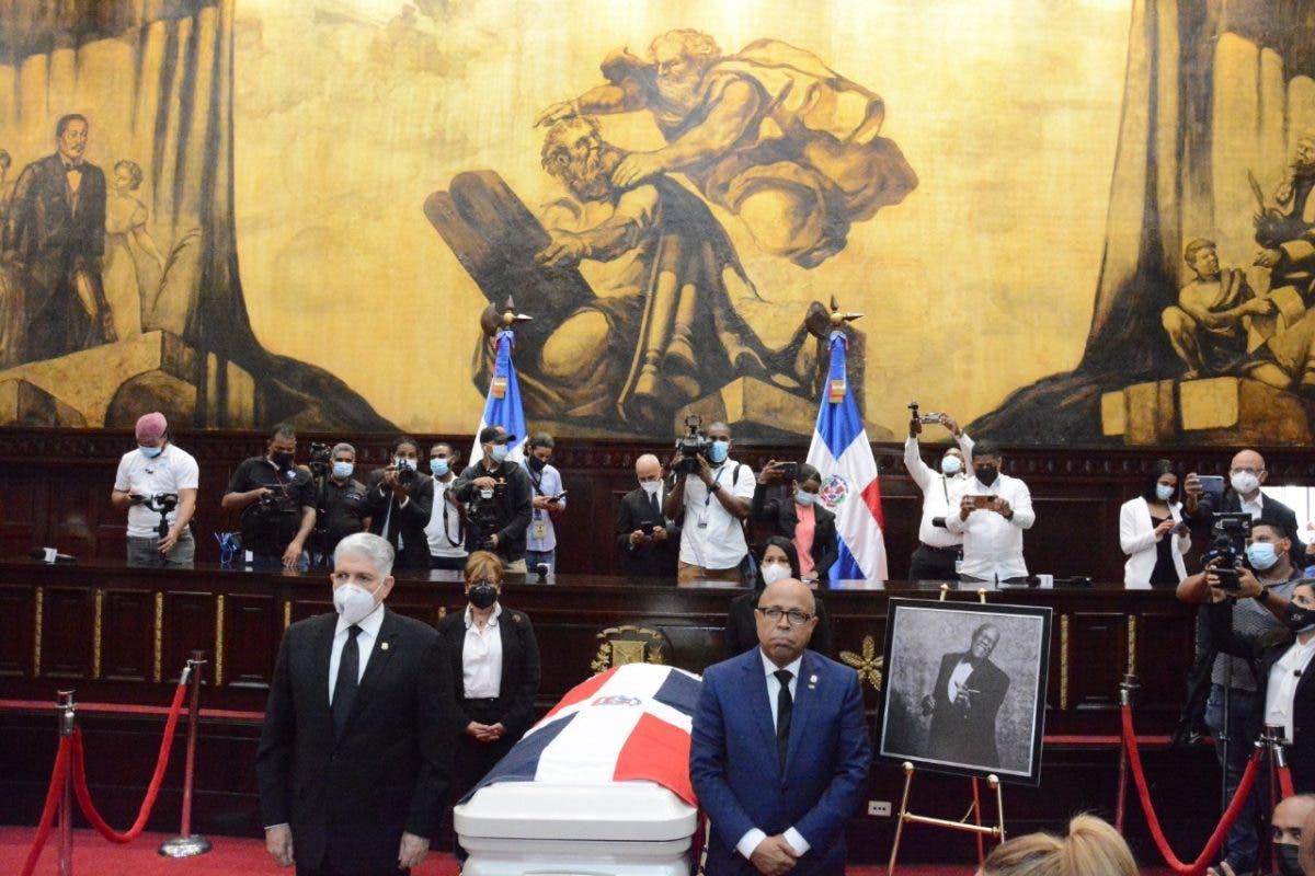 FOTOS: Congreso Nacional rindió honores al merenguero Johnny Ventura