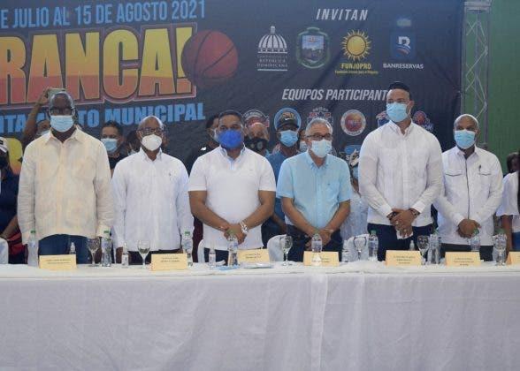 Dan inicio al 13vo. Torneo Municipal de Baloncesto Superior de Los Alcarrizos