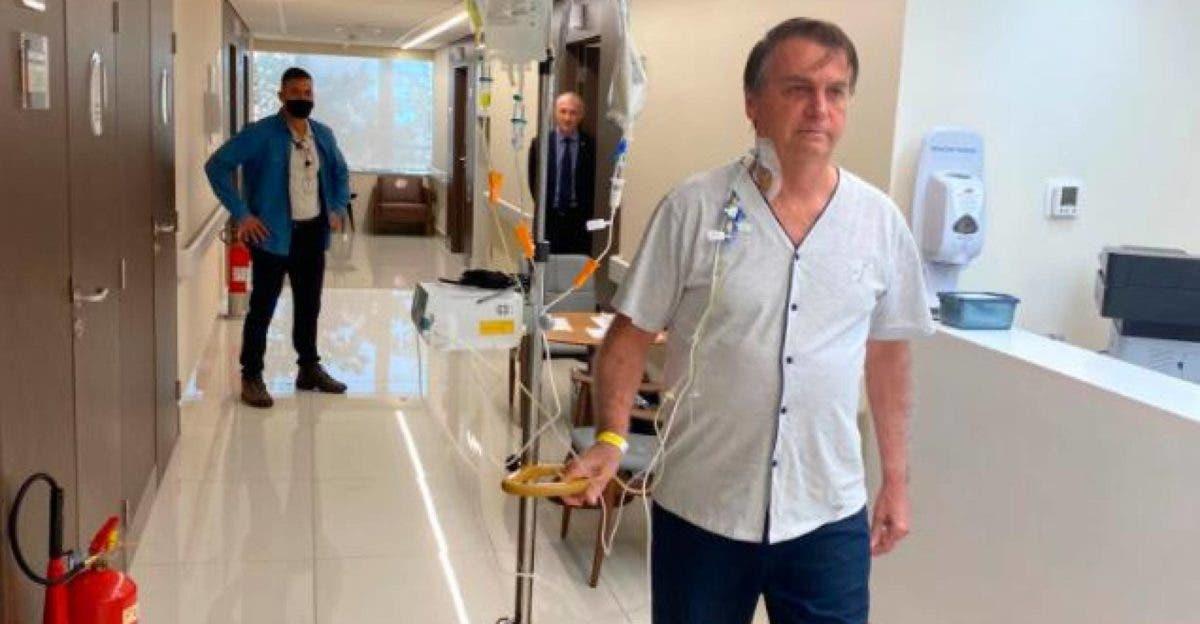 """Bolsonaro camina por el hospital y dice que """"en breve"""" estará """"de vuelta»"""