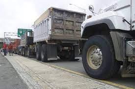 Transportistas a punto de colapso por deudas