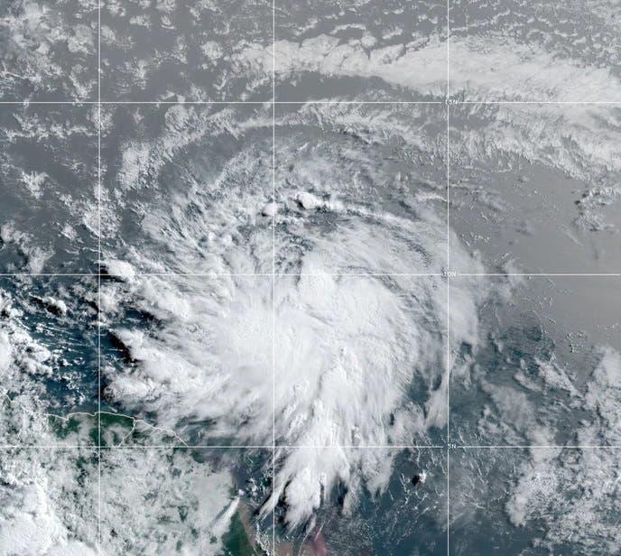 Elsa, quinta tormenta del año en el Atlántico, avanza hacia Antillas Menores