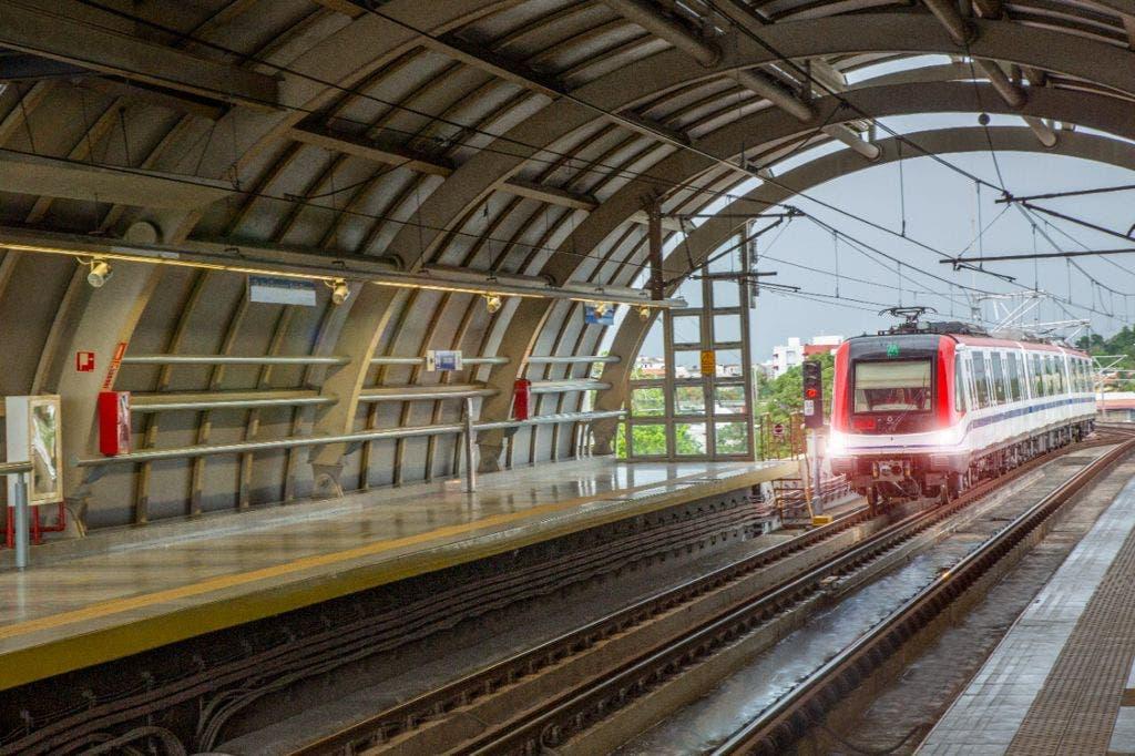 Por flexibilización del toque de queda, Metro y Teleférico retoman horario habitual
