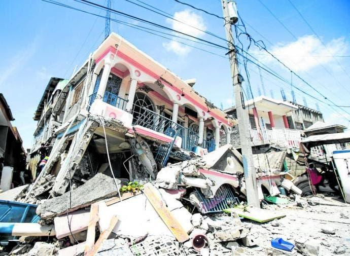 España ofrece ayuda a Haití tras el terremoto