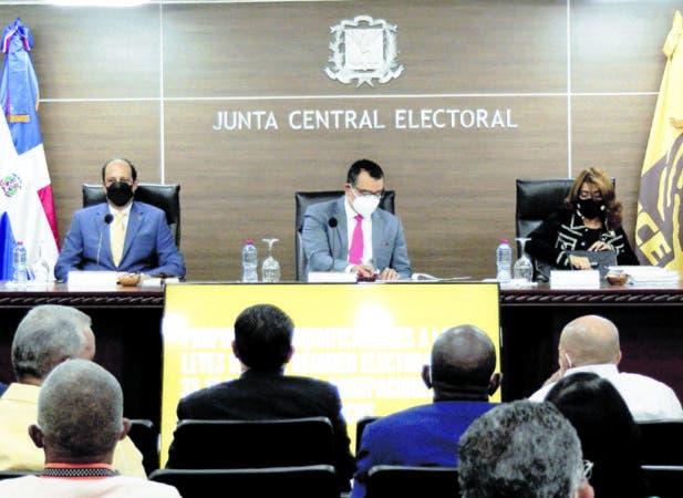El pleno designó una comisión especial para elaborar la propuesta, Pablo Matos .