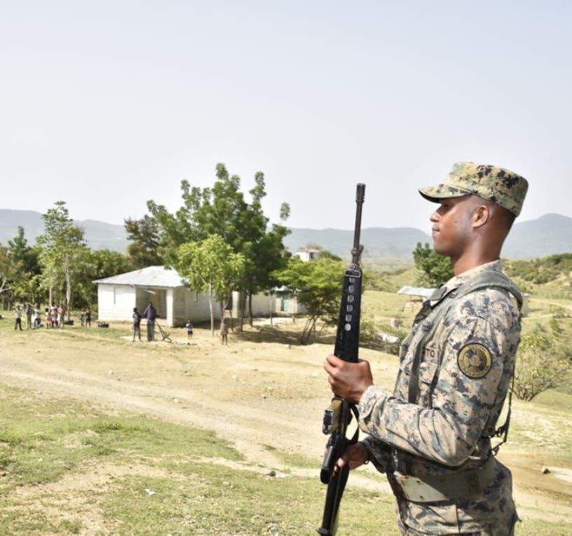 Defensa dice ha repatriado a 178 mil extranjeros