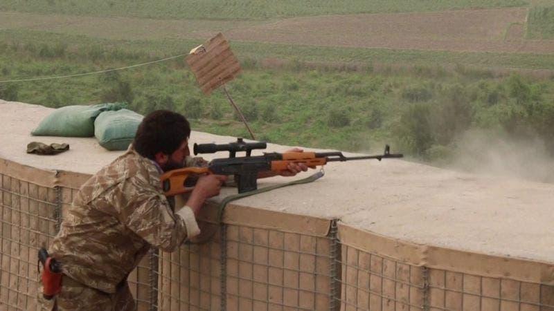 Talibanes lanzan ataques contra otras dos capitales en el norte de Afganistán