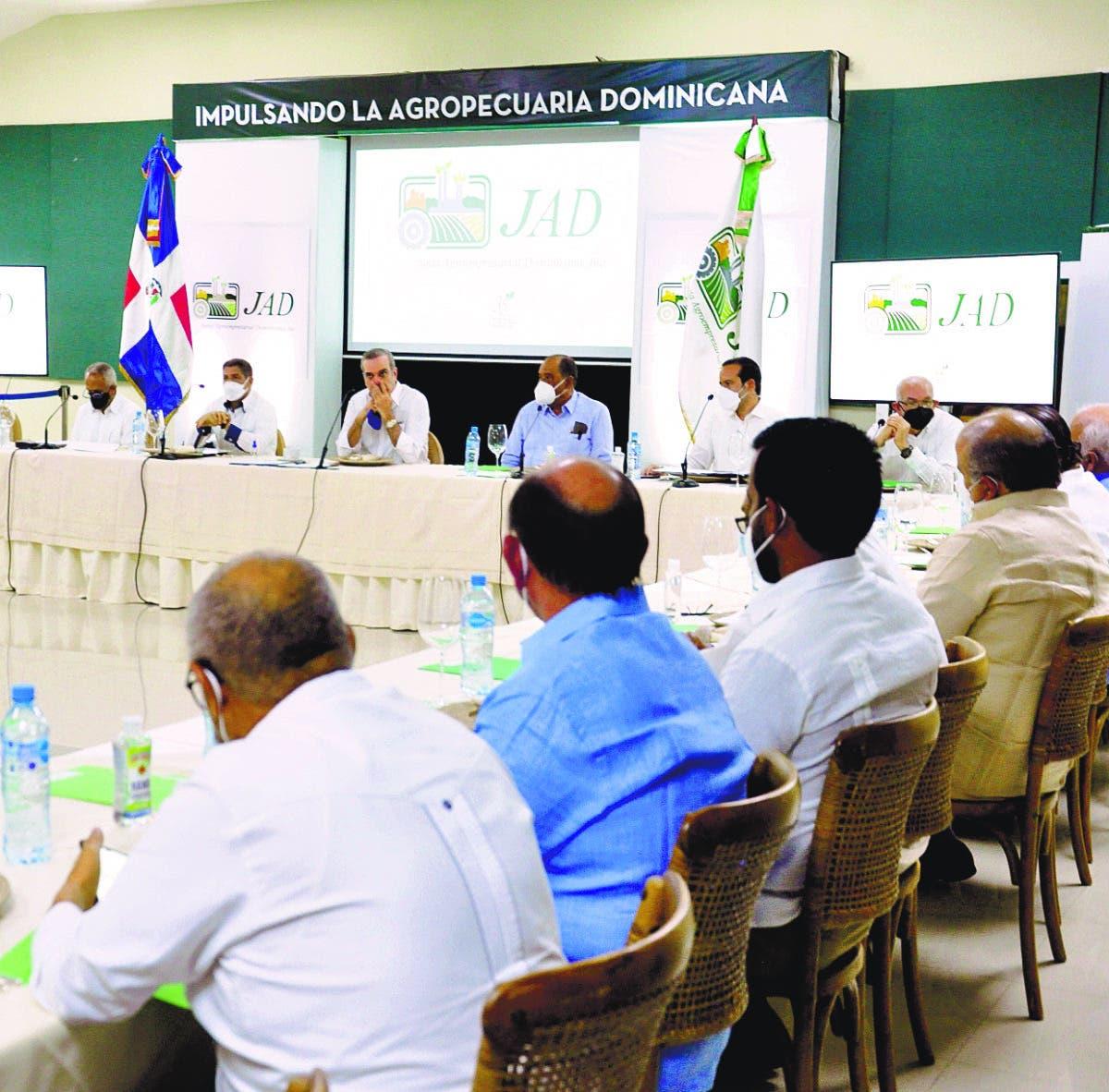 Encarga a la JAD junto a Agricultura plan ayuda pequeños porcicultores