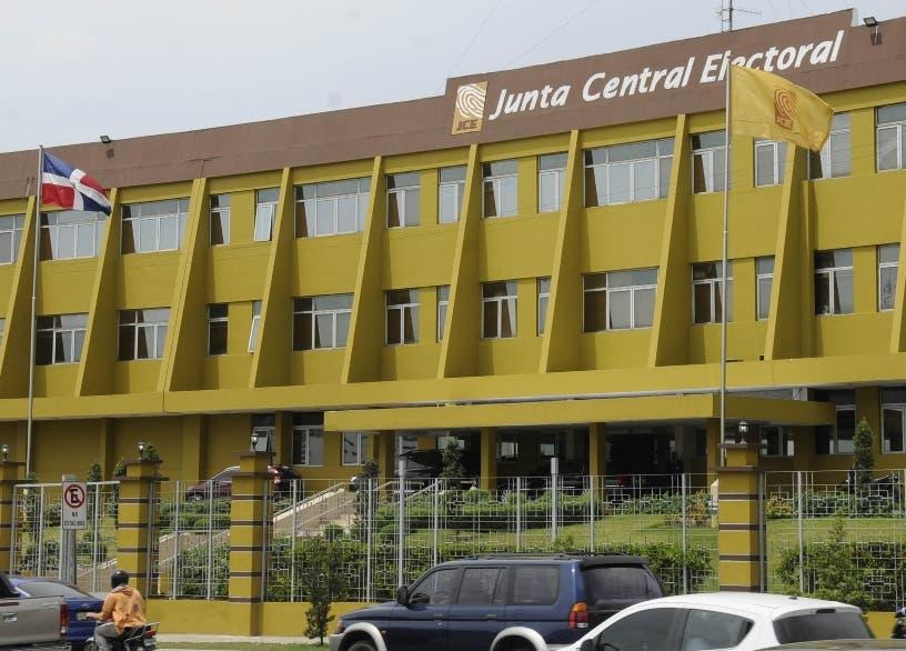 JCE defiende su registro civil sobre COVID-19