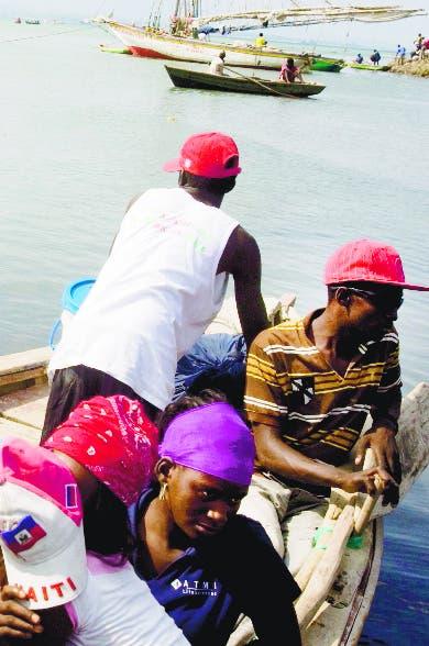 Guardia Costera rescata 48 haitianos iban Puerto Rico