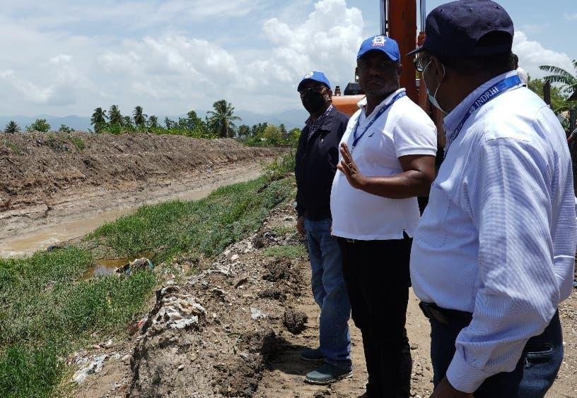 Indrhi inspecciona impacto de Grace en obras de riego del Sur