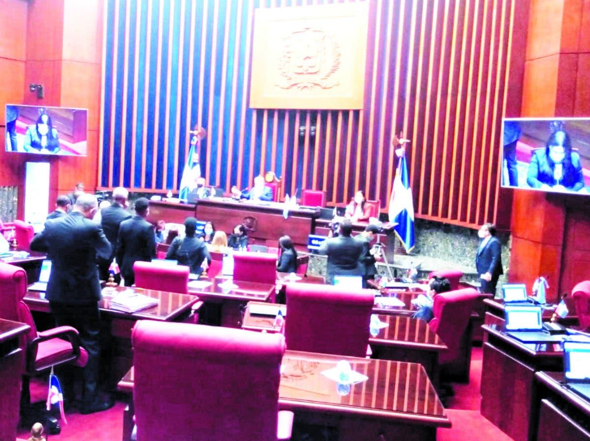 Senado crea comisión bicameral para estudiar otra vez el Código Penal