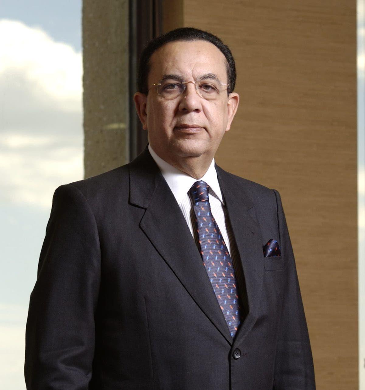 Gobernador BC refuta juicios críticos de LF; reitera economía crece