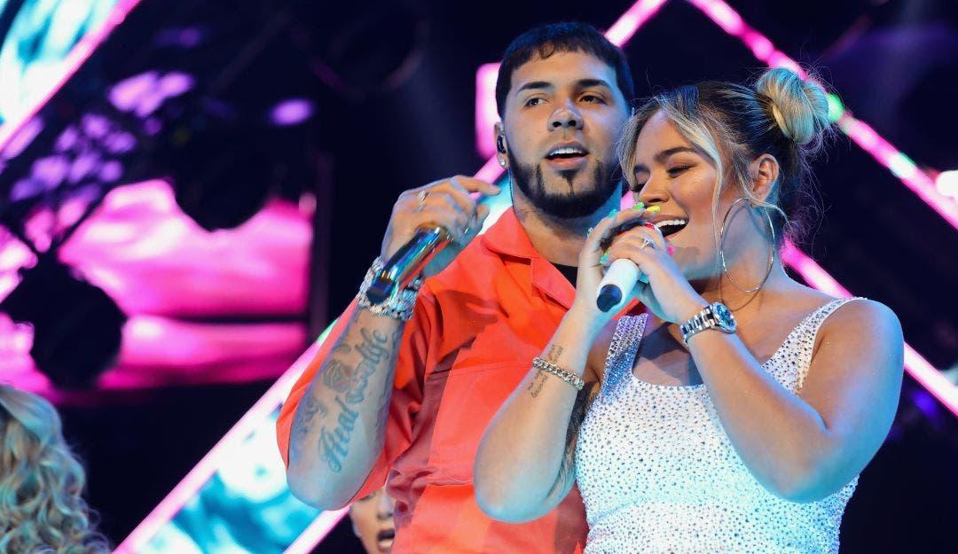 En pleno concierto, Anuel AA le pide a Karol G que regresen