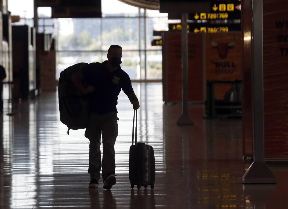 Canadá reabre sus fronteras a viajeros de EEUU vacunados y con test negativo