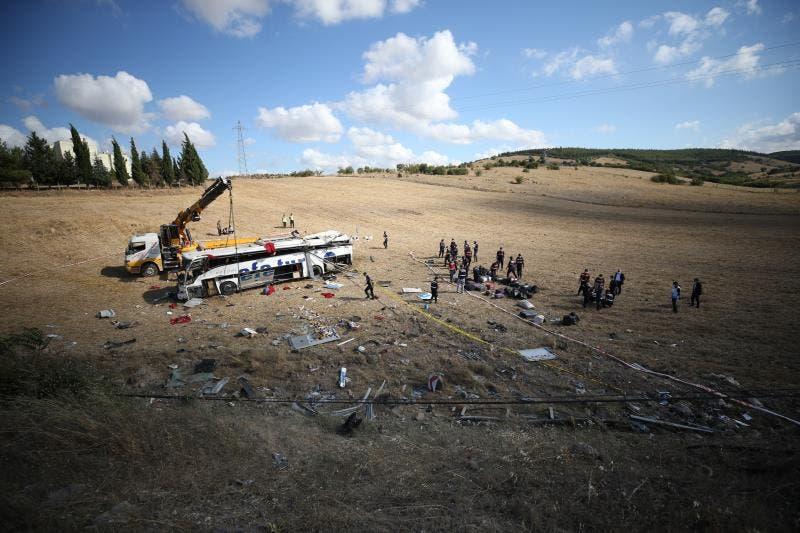 Catorce muertos y dieciocho heridos al volcar un autobús en Turquía