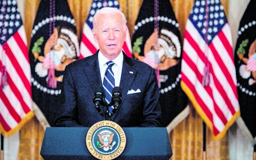 Biden dejaría más tiempo a tropas EU en Afganistán