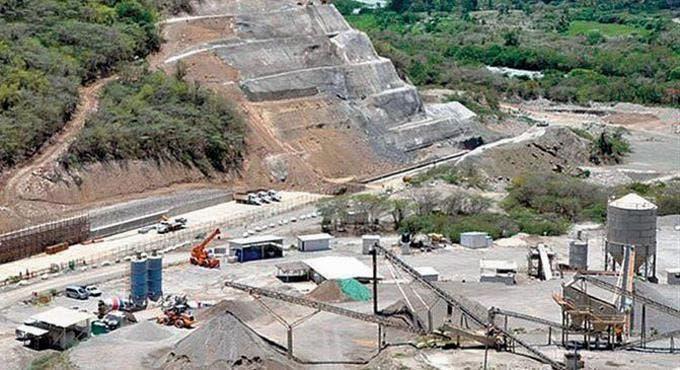 Senadores preocupados por lentitud de Monte Grande