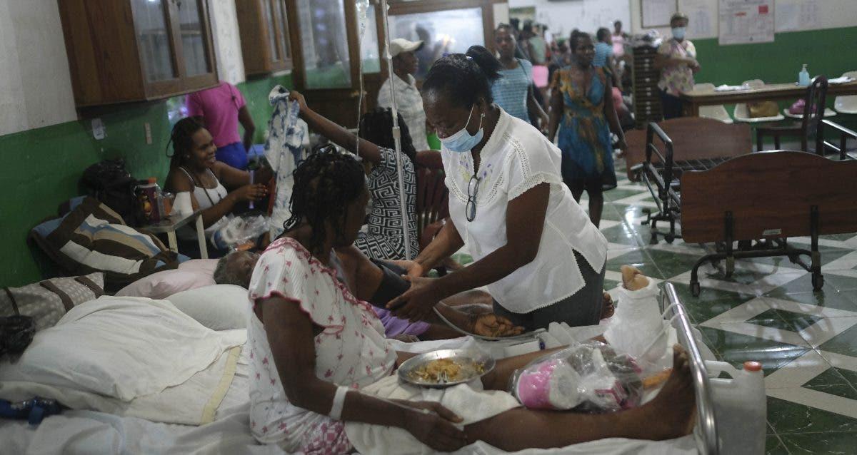 Haitianos no tienen a donde ir al salir hospital