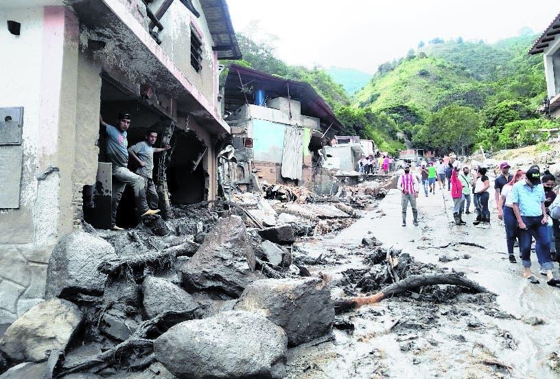 Mueren 20 en deslaves por las lluvias Venezuela