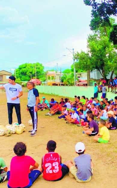 Kareem Syed Castro ofrece clínica fútbol