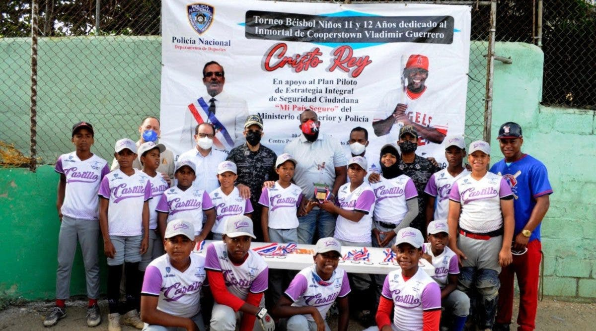 "Liga Castillo triunfa en torneo de béisbol ""Mi País Seguro"""