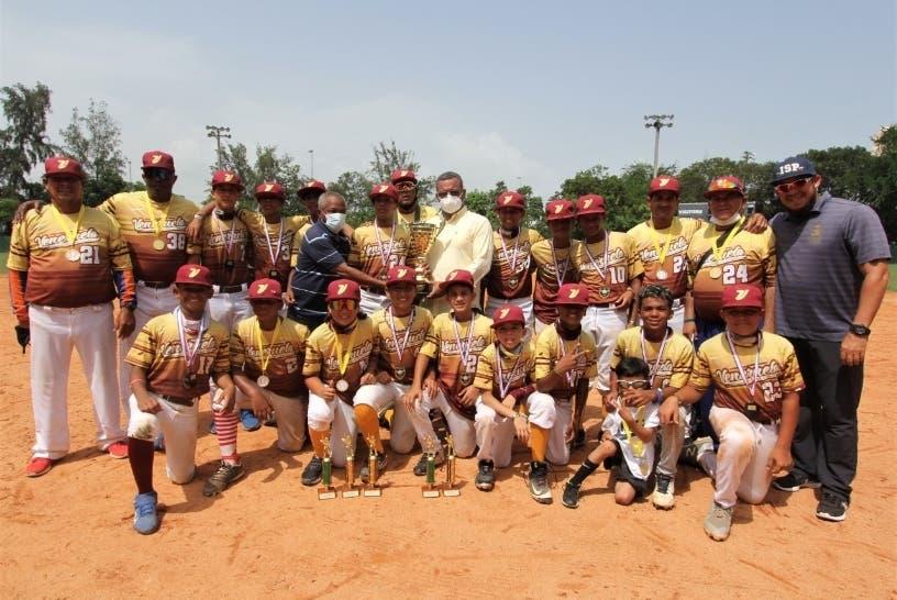 Premian equipo béisbol infantil de Venezuela