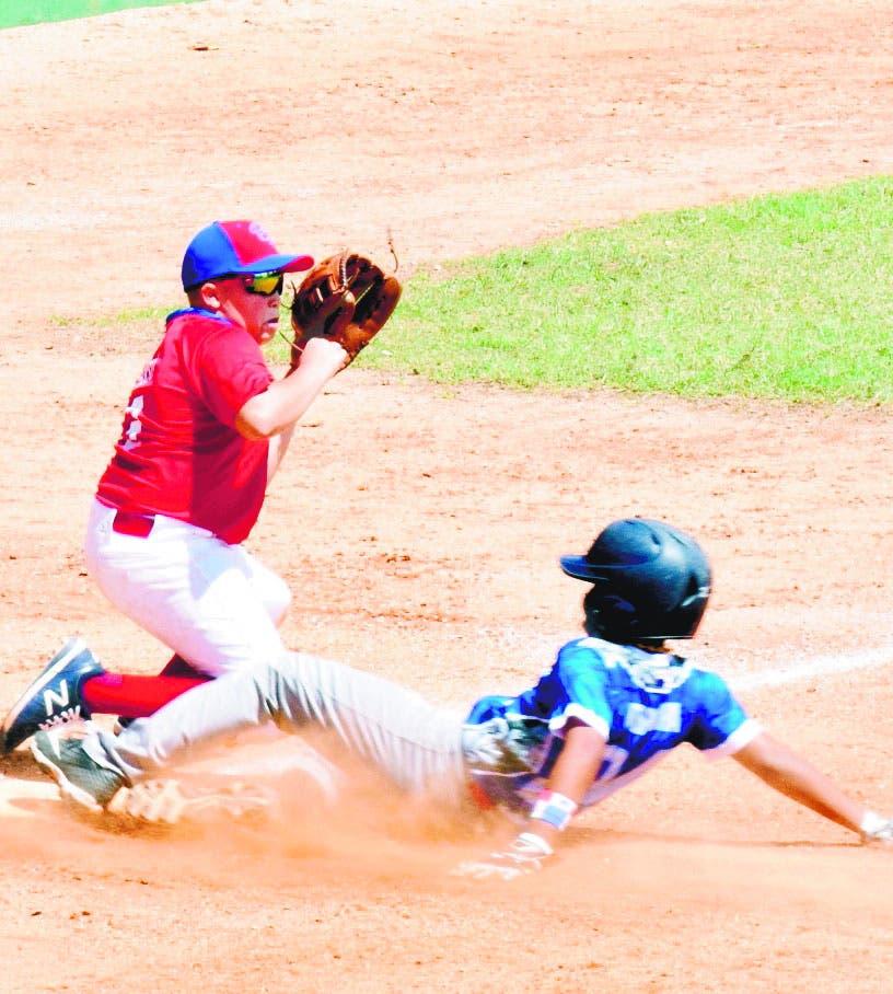 Venezuela y RD siguen invictos torneo béisbol