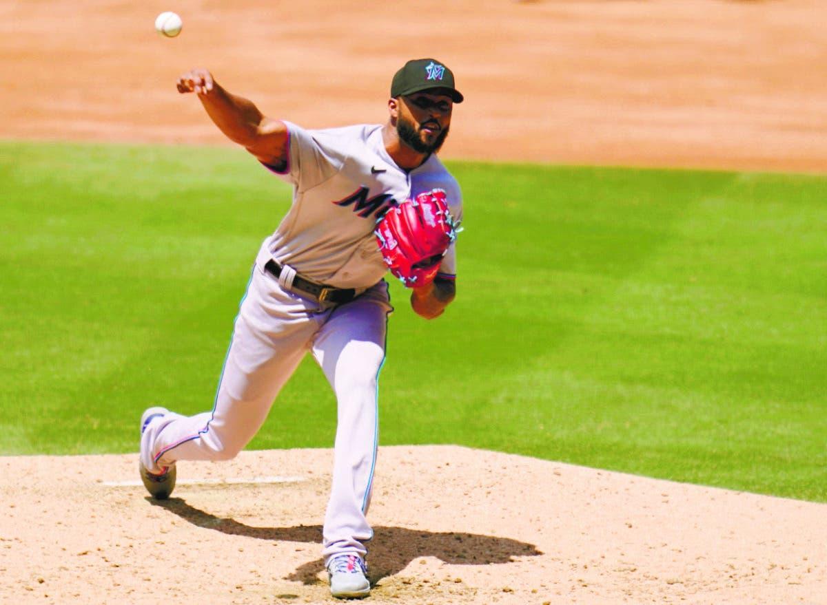 Béisbol de las Grandes Ligas Alcántara silenció bates de Padres en triunfo Marlins