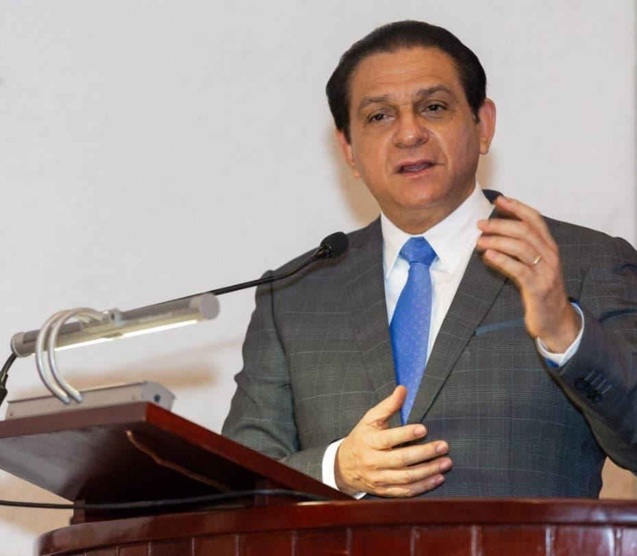 Ministro de Salud advierte riesgo mortal de no vacunarse