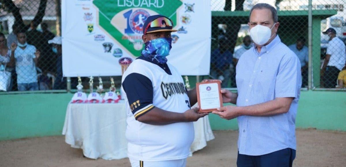 Centuriones 01 triunfan inicio torneo softbol de Lisoa