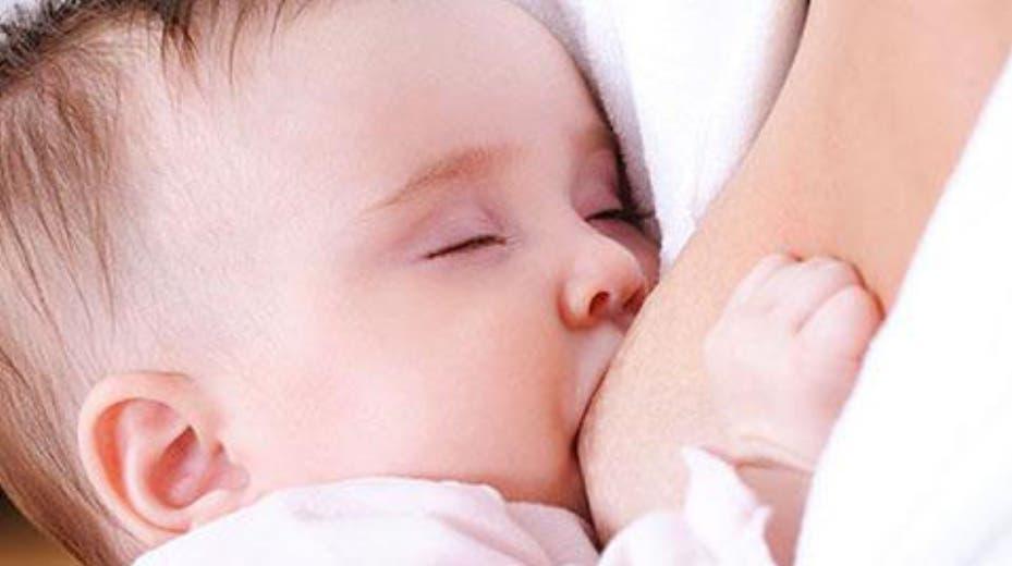 Solo 4.7 % bebés son amamantados de forma exclusiva
