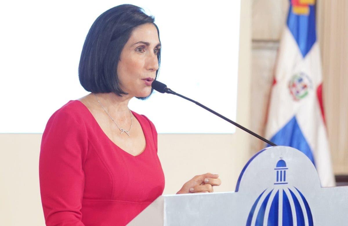 Primera Dama reitera llamado a aplicarse tercera dosis contra COVID