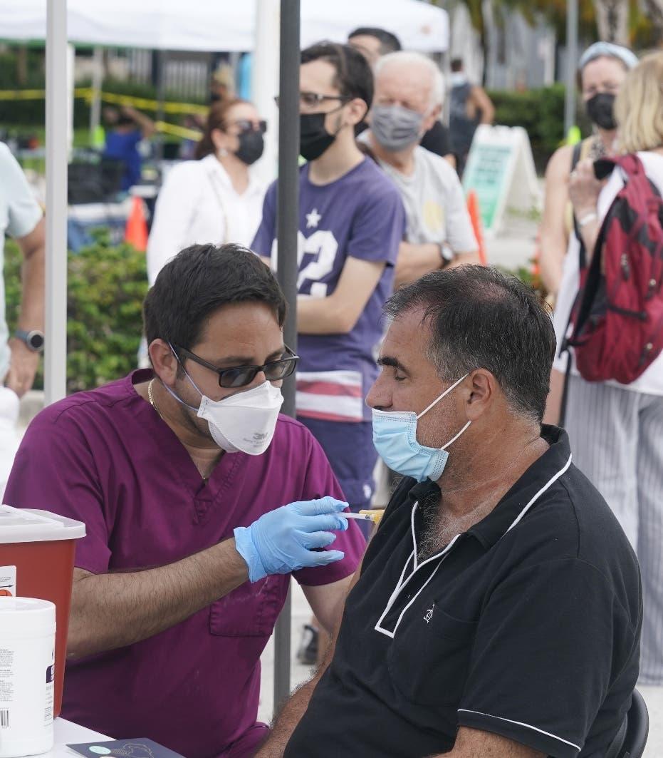 Mundo supera 200 millones de contagios de coronavirus