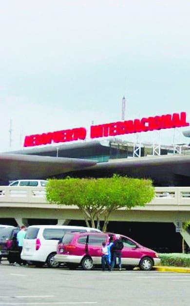 Aerodom cancela vuelos por paso de tormenta Grace