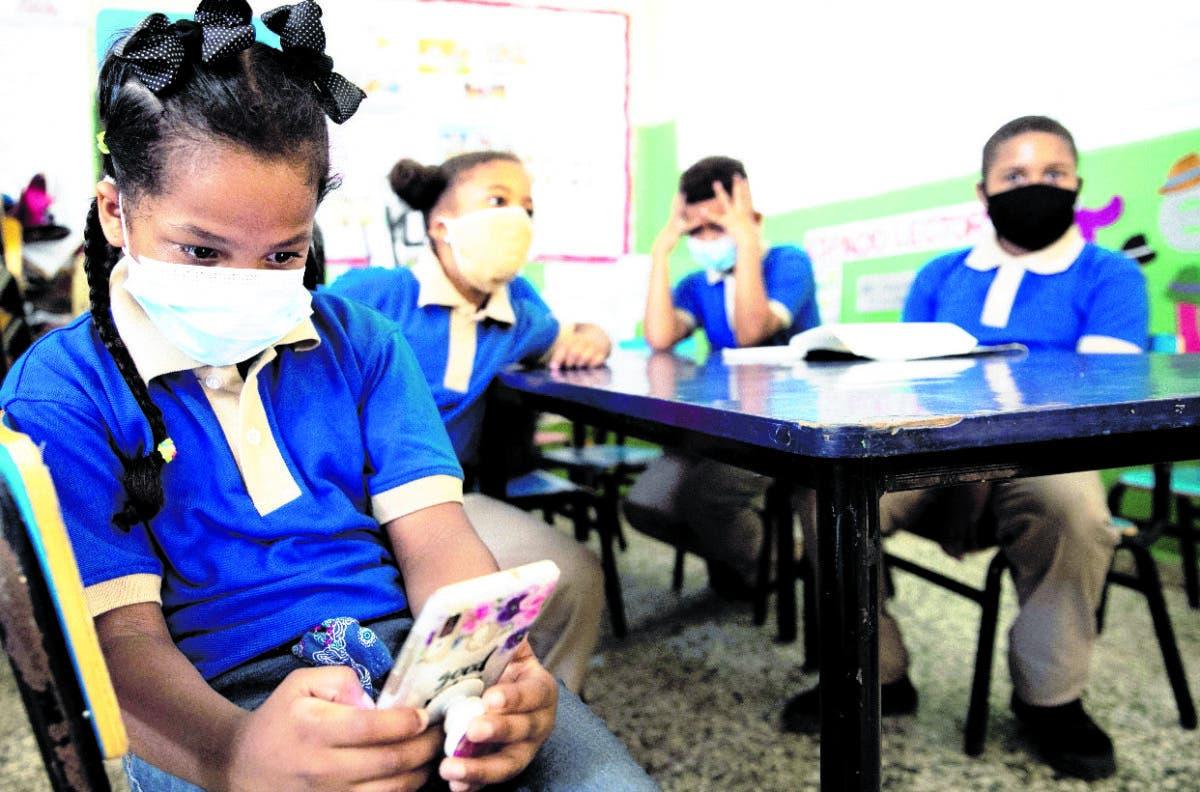 Directora de escuela a padres: Por favor, no envíen a hijos si presentan eventualidades de salud